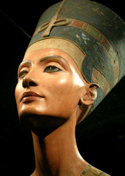 LIFTING DE NEFERTITI